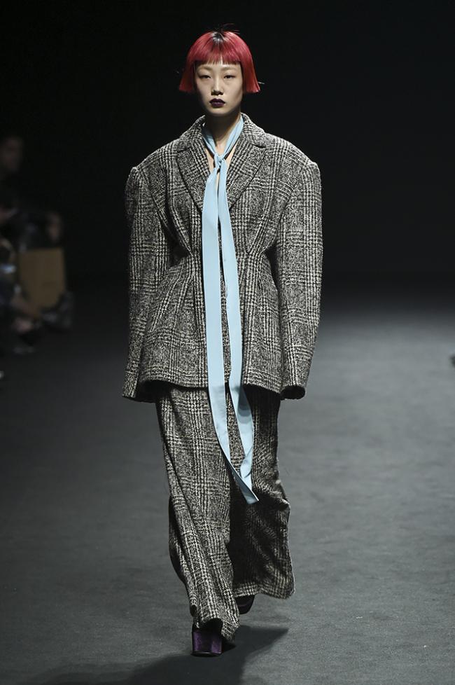 Jinteok (Seoul Fashion Week)