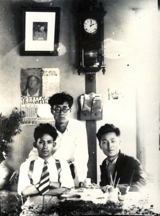 From left: Korean poet Yi Sang (1910-37), novelist Park Tae-won (1909-86) and essayist Kim So-woon (1907-81) (Wikipedia)