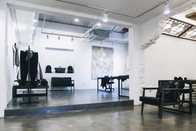 IISE's showroom in Pyeongchang-dong, Seoul is decorated to reflect its design philosophy - a mix of contemporary street and traditional Korean. (IISE)