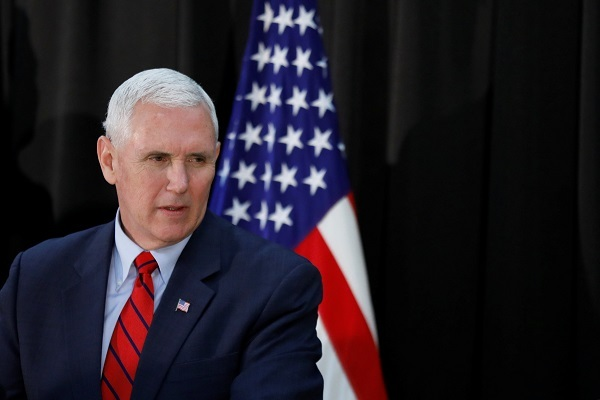 US Vice President Mike Pence speaks during an Easter fellowship dinner at a military base in Seoul, South Korea, April 16, 2017. (Reuters)