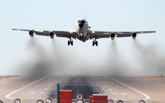 The US Air Force's WC-135 Constant Phoenix sniffer plane (Yonhap)