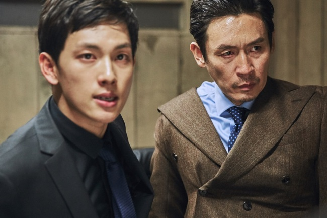 "A still from ""The Merciless"" features Im Si-wan (left) and Seol Kyung-gu. (Hohoho Beach)"