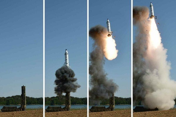 A set of photos carried by North Korea`s main newspaper, the Rodong Sinmun, on May 22, 2017, shows the test-firing of a new intermediate-range ballistic missile, known as the Pukguksong-2, in North Korea. (For Use Only in the Republic of Korea. No Redistribution) (Yonhap)