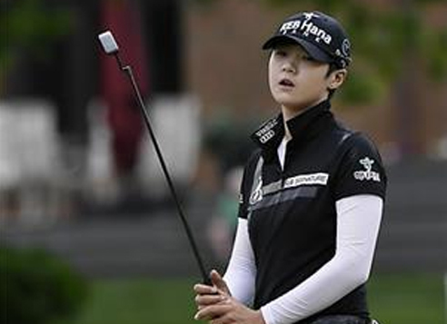 In this Associated Press photo, Park Sung-hyun of South Korea reacts after a missed birdie attempt on the 17th green during the final round of the LPGA Volvik Championship at Travis Pointe Country Club in Ann Arbor, Michigan, on May 28, 2017. (Yonhap)
