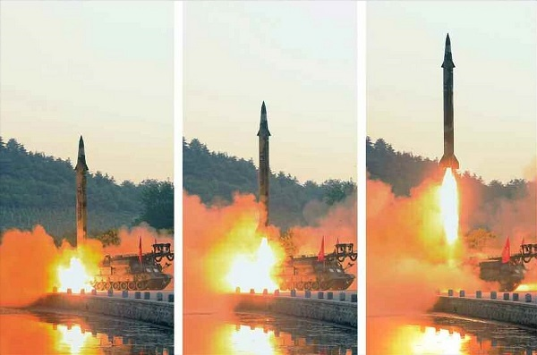 A ballistic missile using what North Korea called a precision control guidance system is launched on May 29, 2017, in this photo released by the Rodong Sinmun, the North`s ruling party organ, on May 30. (For Use Only in the Republic of Korea. No Redistribution) (Yonhap)