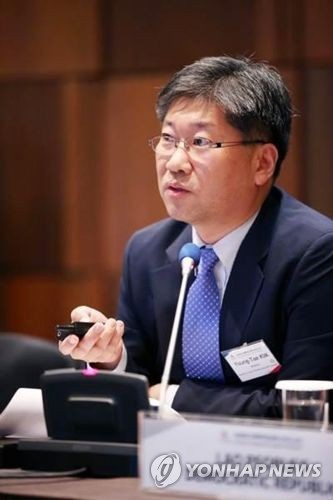 This photo, provided by the Ministry of Land, Infrastructure and Transport on Thursday, shows Kim Young-tae, who was elected the secretary-general of the International Transport Forum at the OECD. (Yonhap)