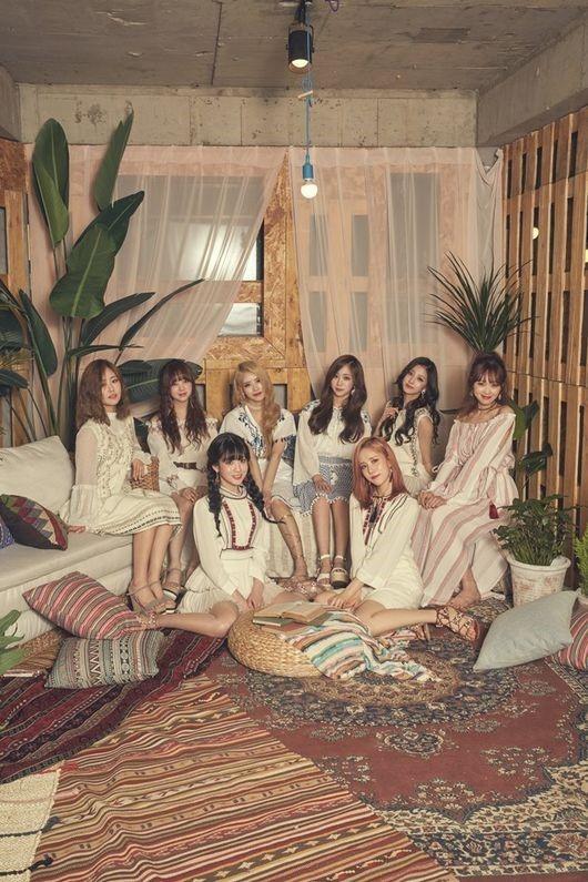 K-pop group Lovelyz (Woollim Entertainment)
