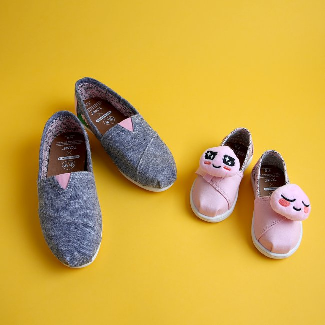 Kakao Friends x Toms Shoes products (Kakao Friends)