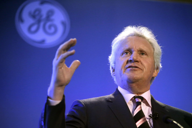 General Electric CEO Jeff Immelt speaks during a news conference in Boston, April 4, 2016. AP-Yonhap