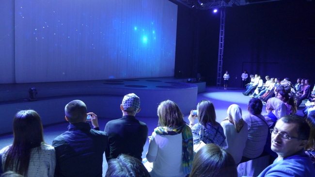 The centerpiece of the Korean pavilion is a show that seamlessly fuses a graphic movie and dazzling dance by Kazakh artists on stage. (Joel Lee/The Korea Herald)