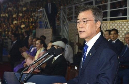 President Moon Jae-in gives a congratulatory speech during the opening ceremony of the World Taekwondo Federation World Taekwondo Championships at T1 Arena in Taekwondowon in Muju, North Jeolla Province, on June 24, 2017. (Yonhap)
