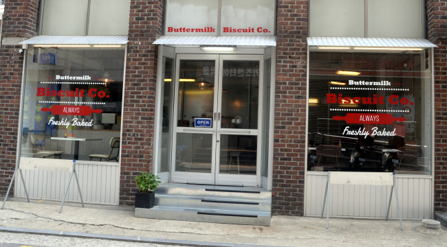 Buttermilk Biscuit Co. opened this April in Sinsa-dong, Seoul, near Apgujeong Station (Photo credit: Park Hyun-koo/The Korea Herald)
