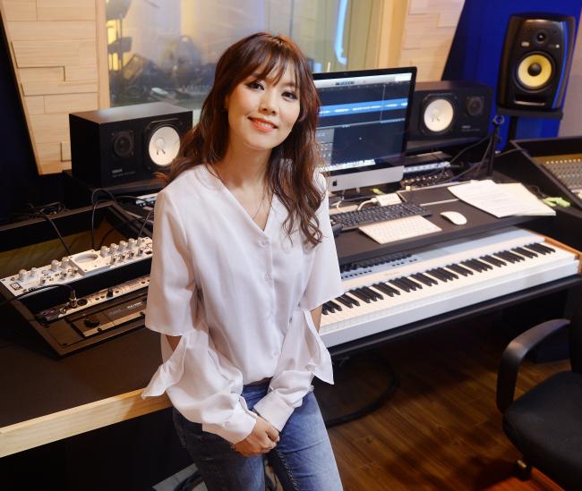 Gospel singer Sohyang poses during a recent interview with The Korea Herald in Incheon. (Park Hyun-koo/The Korea Herald)