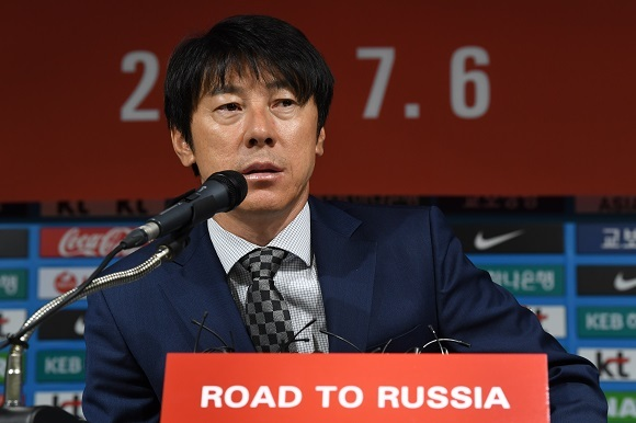 New South Korea national football team head coach Shin Tae-yong speaks at a press conference at the Korea Football Association headquarters in Seoul on July 6, 2017. (Yonhap)