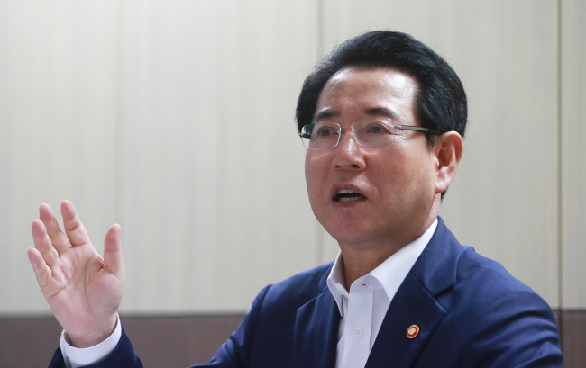 New Agriculture Minister Kim Yung-rok speaks during an interview with Yonhap News Agency on July 18, 2017. (Yonhap)