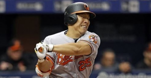In this Associated Press taken on July 25, 2017, South Korean outfielder Kim Hyun-soo, then of the Baltimore Orioles, strikes out against the Tampa Bay Rays in the teams` Major League Baseball game at Tropicana Field in St. Petersburg, Florida. Kim was traded to the Philadelphia Phillies on July 28, 2017. (Yonhap)