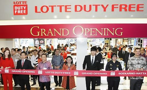 This file photo provided by Lotte Duty Free, South Korea`s top duty-free operator, on Jan. 31, 2012, shows the opening ceremony of its first overseas shop at Jakarta International Airport in Indonesia on the same day. (Yonhap)