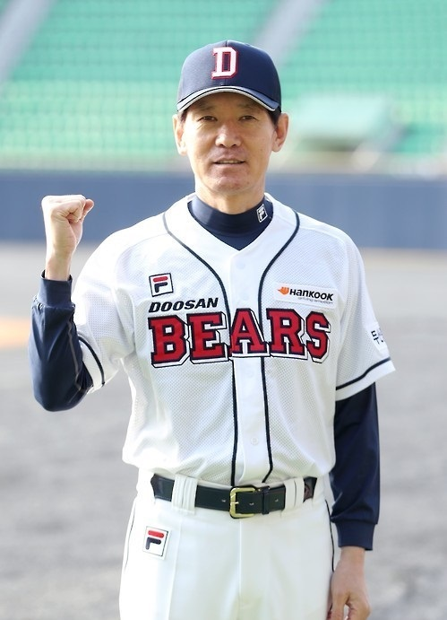 In this file photo taken on Jan. 10, 2017, Lee Kang-chul, manager of the Doosan Bears` minor league affiliate, poses for a picture at Jamsil Stadium in Seoul. Lee was named a pitching coach for the South Korean national team on Aug. 10, 2017. (Yonhap)