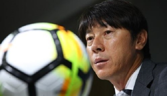 South Korea men`s football head coach Shin Tae-yong speaks at a press conference announcing the national team roster for the World Cup qualifying matches at the Korea Football Association headquarters in Seoul on Aug. 14, 2017. (Yonhap)