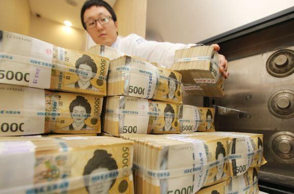 Korea to increase job-creating budget by 12% next year