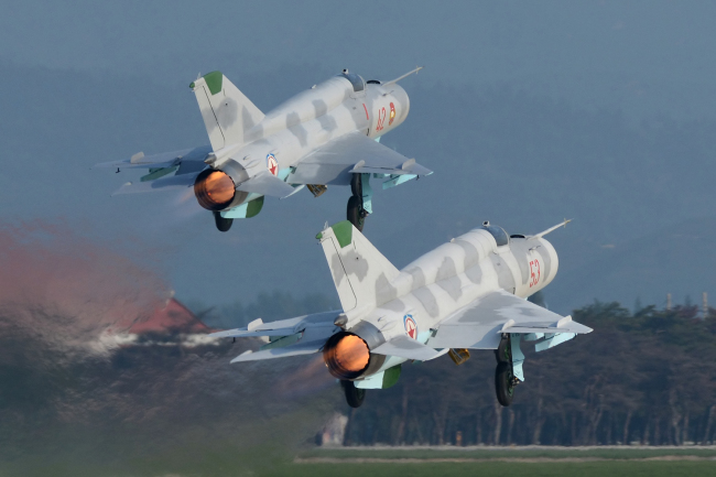 The image captured from the website of the Wonsan International Friendship Air Festival shows two North Korean planes. (Wonsan International Friendship Air Festival)