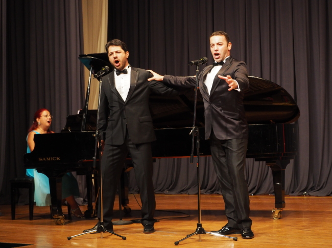 Turkish opera singers tenor Caner Akin (right) and baritone Caner Akgun accompanied by pianist Fugen Yigitgil (Joel Lee/The Korea Herald)