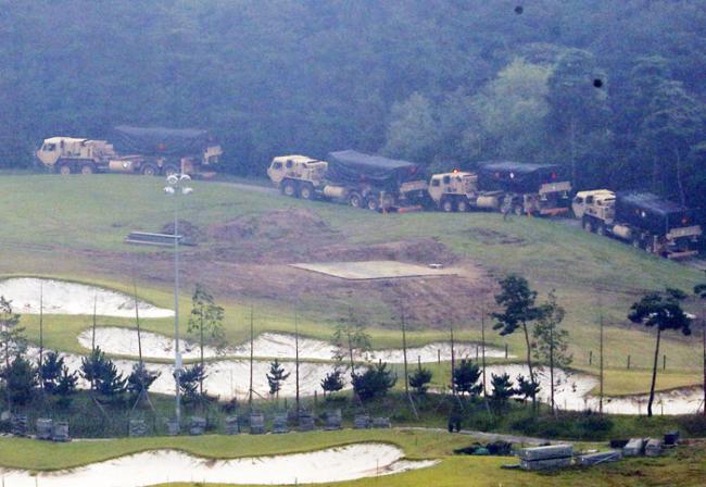 THAAD launchers enter US base (Yonhap)