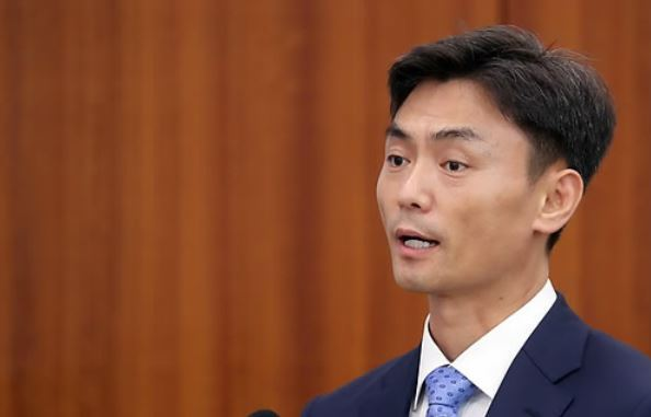 Park Seong-jin, the nominee for the head of the Ministry of SMEs and Startups, speaks during a parliamentary hearing at the National Assembly on Sept. 11, 2017. (Yonhap)