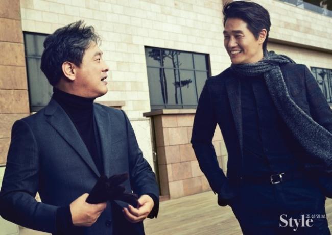 Park Chan-wook (left) and Yoo Ji-tae pose in Ermenegildo Zegna. (Namoo Actors)