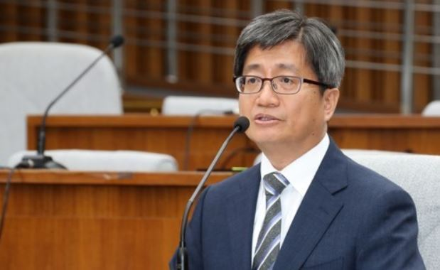This photo, taken Sept. 12, 2017, shows Supreme Court Chief Justice nominee Kim Meong-su speaking during a parliamentary confirmation hearing at the National Assembly in Seoul. (Yonhap)