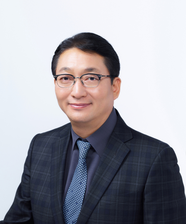 Innisfree VP Ahn Sae-hong (Amorepacific)
