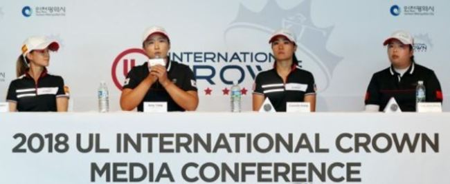 International LPGA stars speak at a media conference for the 2018 UL International Crown, an LPGA international competition, at Jack Nicklaus Golf Club Korea in Incheon on Oct. 16, 2017. From left: Azahara Munoz of Spain, Amy Yang of South Korea, Danielle Kang of the United States and Feng Shanshan of China. (Yonhap)