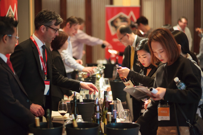 Participants try South Australian wine at the South Australian Food and Wine Showcase at Hotel Shilla in Seoul on Friday (Austrade in Korea)
