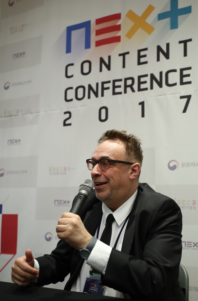 New media theorist Lev Manovich speaks to reporters at the Next Content Conference at Coex, Seoul, Monday. (Yonhap)