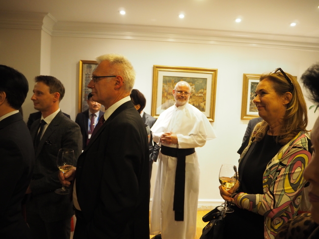 The reception at newly appointed Polish Ambassador Piotr Ostaszewski's residence in Seoul on Oct. 17 drew figures close to Poland, covering the diplomatic community, academia, media, defense, church and business circles. (Joel Lee/The Korea Herald)