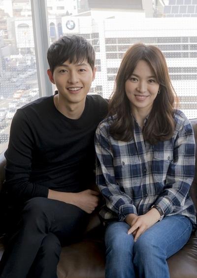Song Joong-ki (left) and Song Hye-kyo (Herald DB)