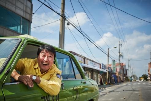"Song Kang-ho stars in ""A Taxi Driver."" (Showbox)"