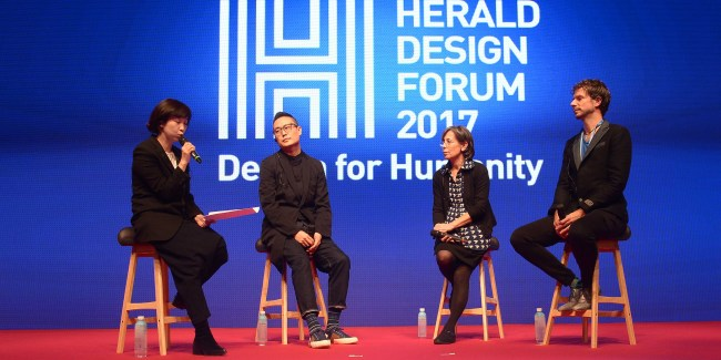 From left: Kim Sung-hyon, professor at Samsung Art & Design Institute, hosts a Design Talk session with Seok Yong-bae, Carme Pigem and Aernout Dijkstra – Hellinga, held as part of Herald Design Forum 2017 at The Shilla Seoul on Tuesday. (Park Hae-mook/The Korea Herald)