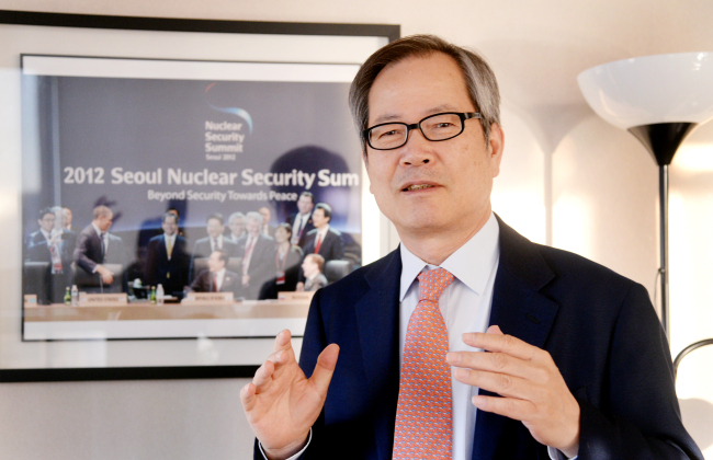 Chun Young-woo speaks during an interview at his office in Seoul (Park Hyun-koo/The Korea Herald)