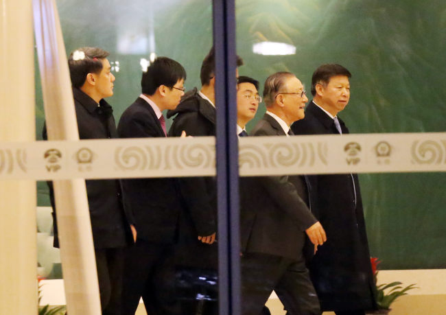 Song Tao (far right), the head of the International Liaison Department of the Communist Party of China (Yonhap)