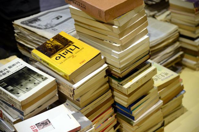 Inside the Maninbo Library (Park Hyun-koo/The Korea Herald)