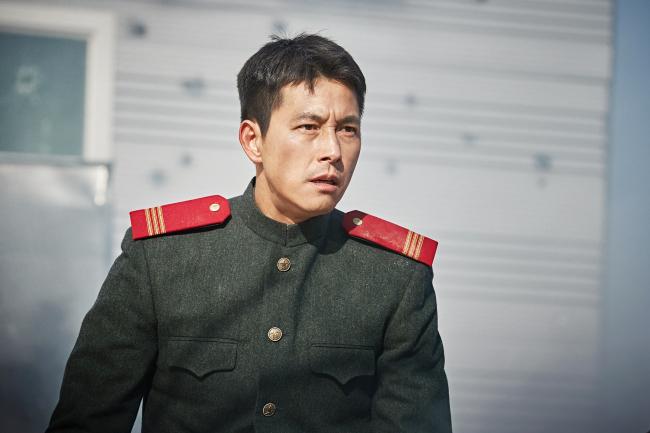 "Jung Woo-sung stars in ""Steel Rain."" (NEW)"