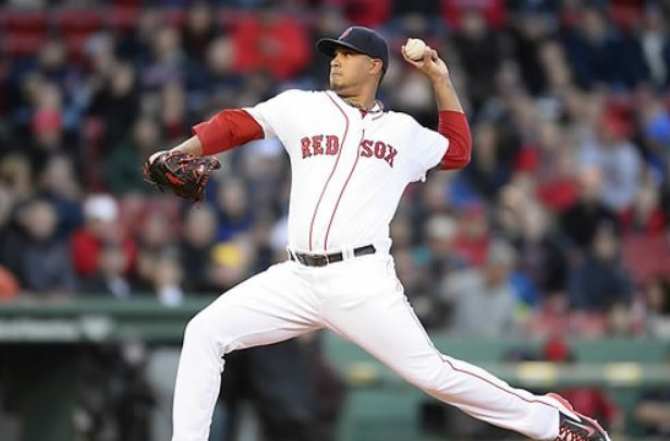 In this EPA file photo taken April 24, 2014, Felix Doubront of the Boston Red Sox throws a pitch against the New York Yankees during the top of the first inning of their major league game at Fenway Park in Boston. (Yonhap)