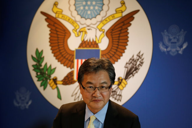 US Special Representative for North Korea Policy Joseph Yun arrives at a meeting with the media in Bangkok, Thailand December 15, 2017. (Reuters-Yonhap)
