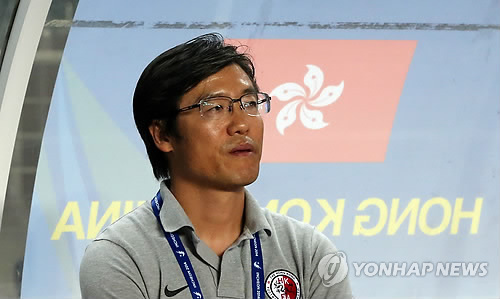 This file photo, taken on Sept. 25, 2014, shows Kim Pan-gon, then Hong Kong national football team head coach, at the Incheon Asian Games. (Yonhap)