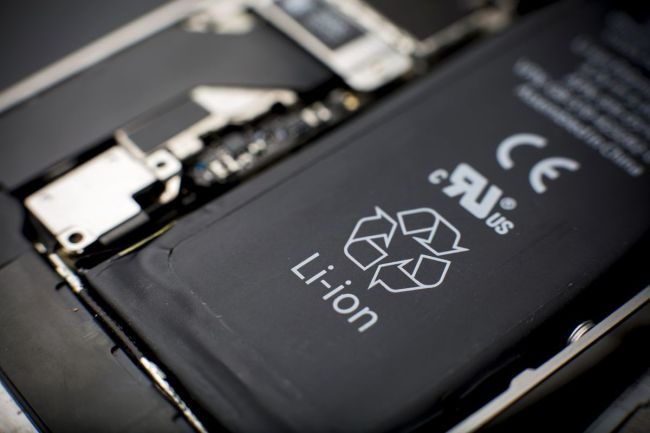 Run, don't walk, to replace your iPhone battery for $29