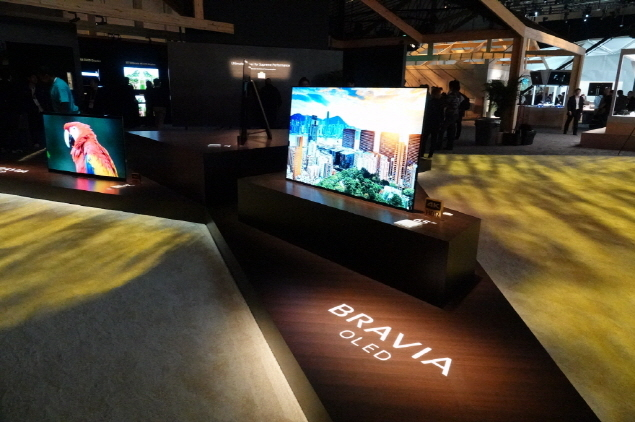 Sony's 4K OLED Bravia A8F series on display at CES (Sony)