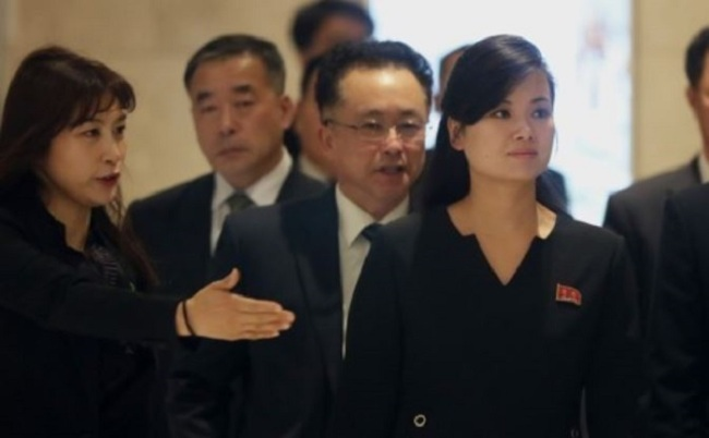 Hyon Song-wol, head of a North Korean Olympics advance team, arriving in Sky Bay Gyeongpo Hotel in Gangneung, South Korea, on Sunday. (Yonhap)