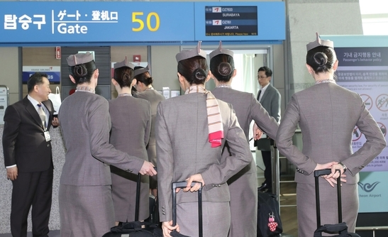 File photo. The people in thisimageare unrelated to the article.(Yonhap)