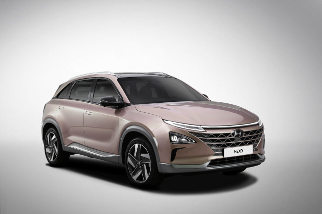 Hyundai's next-generation Nexo fuel cell electric vehicle has a driving distance of 609 kilometers per charge, the longest among hydrogen cars. (Hyundai Motor)